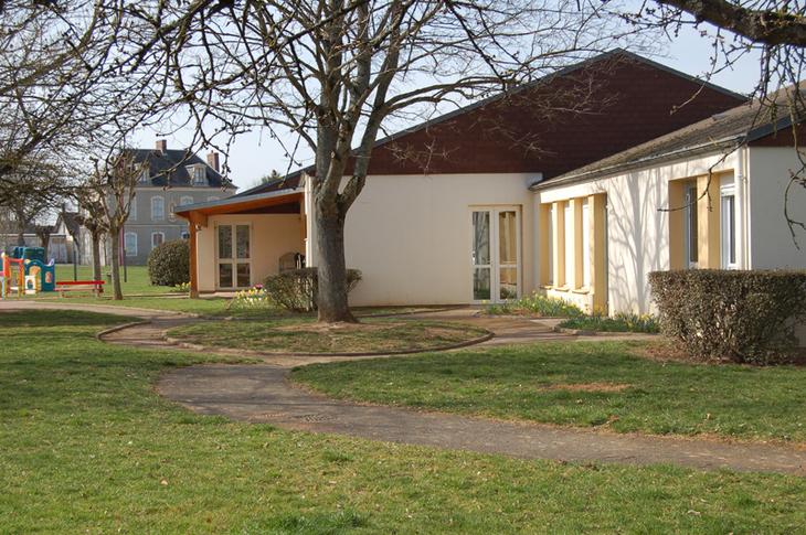 Ecole maternelle Trouy Bourg ' Graine d'Artistes'